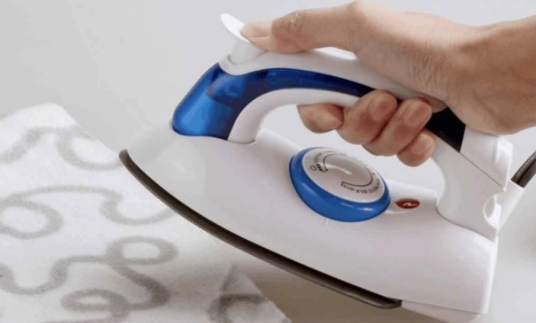 Best Clothes Irons 2020 Top 10 Best Travel Iron 2020 UK